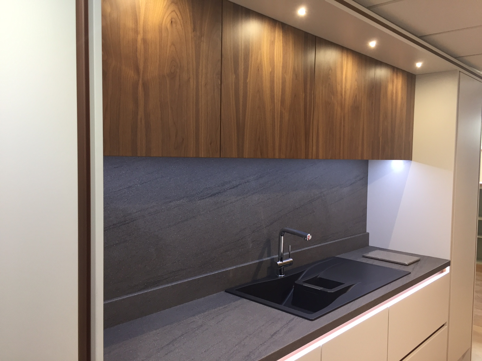 Showroom Focus New 'Stanton' Fitted Kitchen