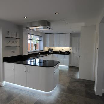 Porter White High Gloss Kitchen 3