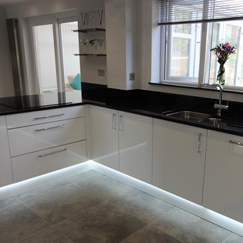 Porter White High Gloss Kitchen 1