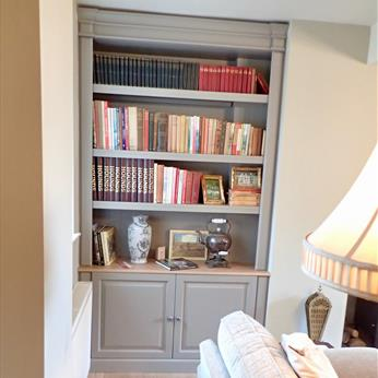 Fitted Snug Bookcase Alcove